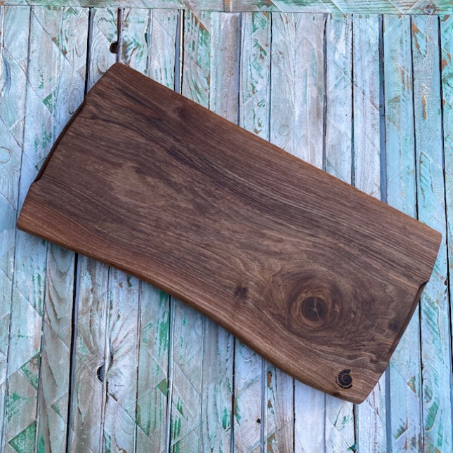 Chopping Board in Walnut Wood
